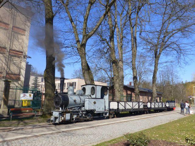 Žamberk - souprava úzkokolejné dráhy před Muzeem starých strojů