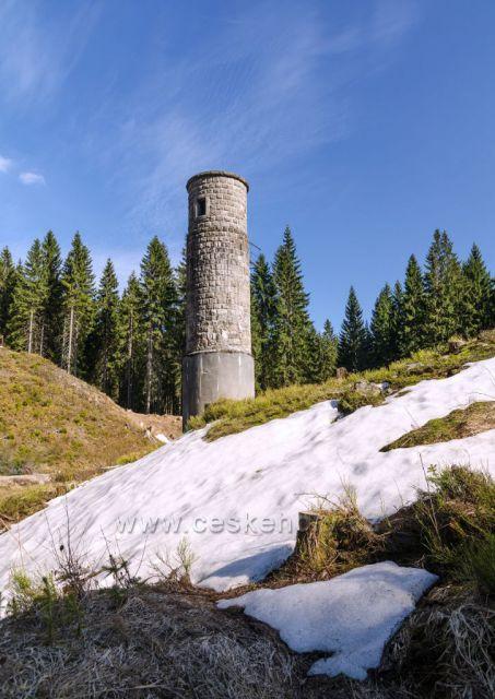 Pod šoupátkovou věží Protržené přehrady.