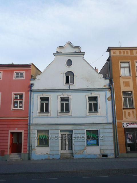 Zlaté Hory - jeden z domů na náměstí Svobody.