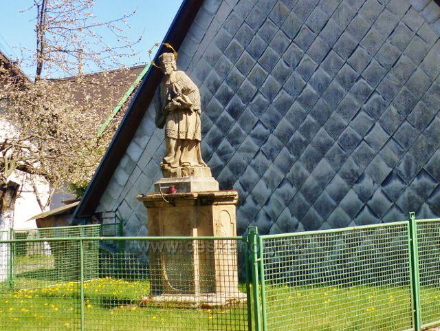 Žamberk - socha sv Jana Nepomuckého na Husovo nábřeží
