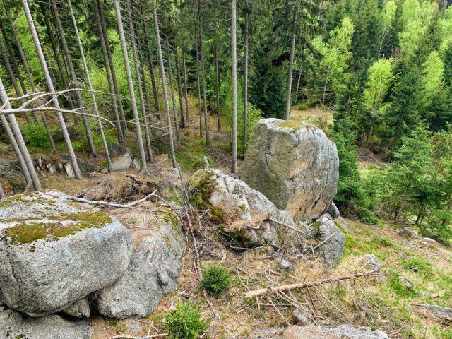 Skaly v prirode
