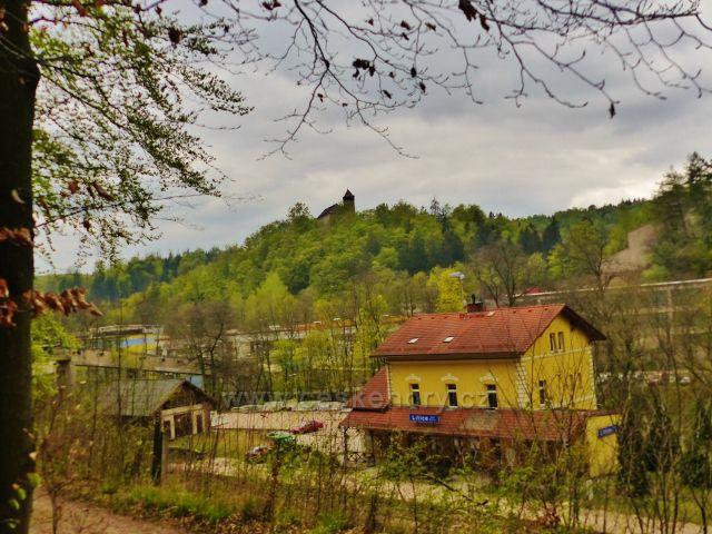 Litice - litický hrad a vlakové nádraží