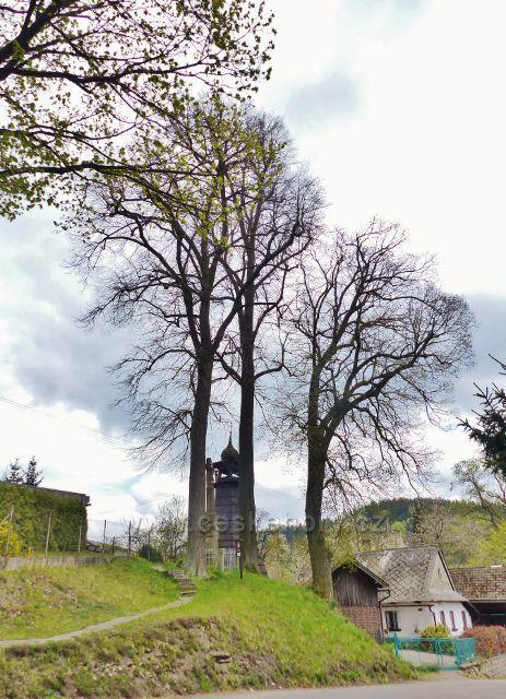 Bohousová - tři památné lípy srdčité u zvoničky