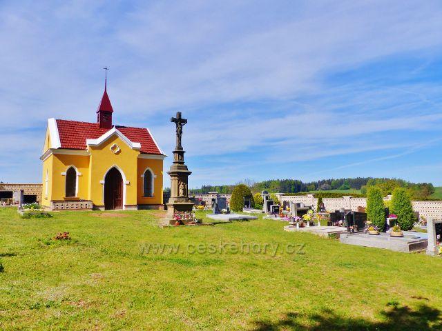 Hejnice - hřbitov s kapličkou