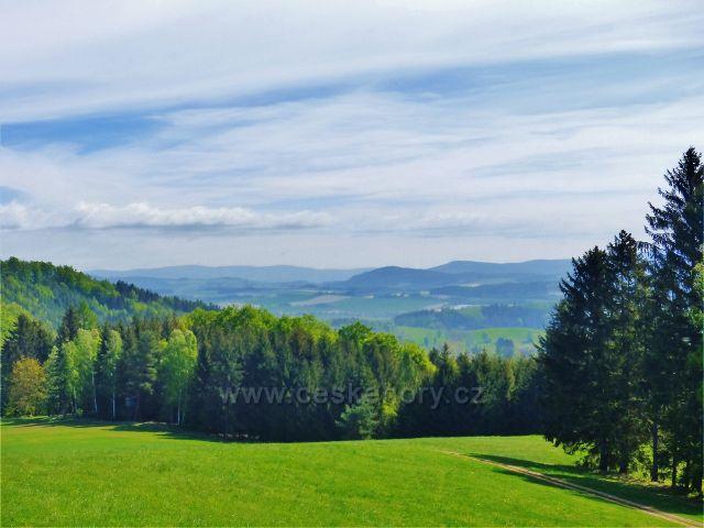 Hejnice -pohled z úbočí vrchu Pilátka k Lukavici