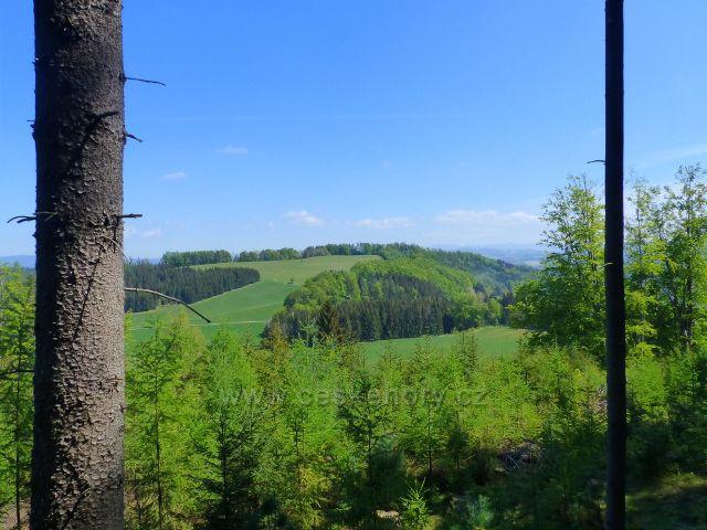 Pohled z vrcholu Pilátky na Kozinec