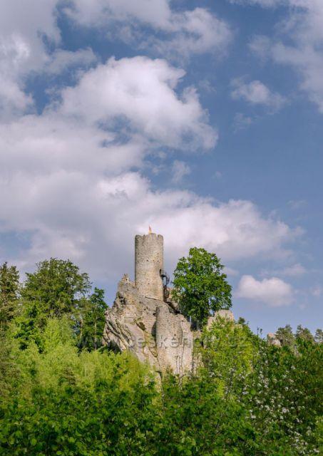 Krásný hrad Frýdštejn