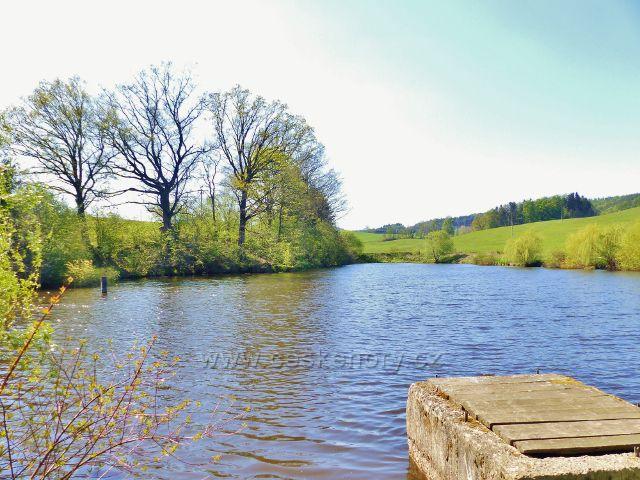 Kalouskův rybník u polní cesty z Písečné do Žamberka