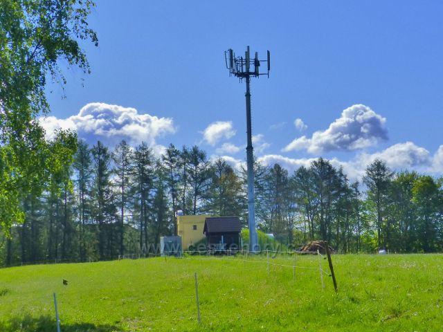 Kunvald - telekomunikační věž na vrcholu Krejsovo kopce