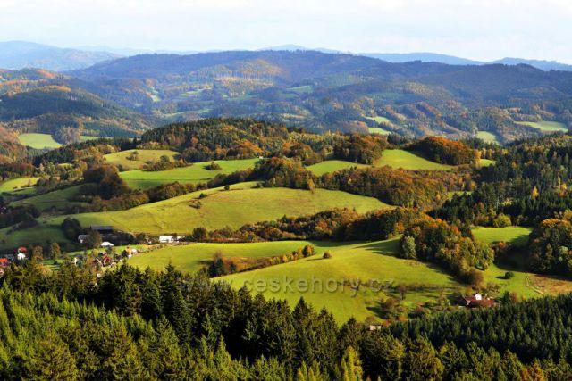 Bílé Karpaty - pohled z rozhledny Královec