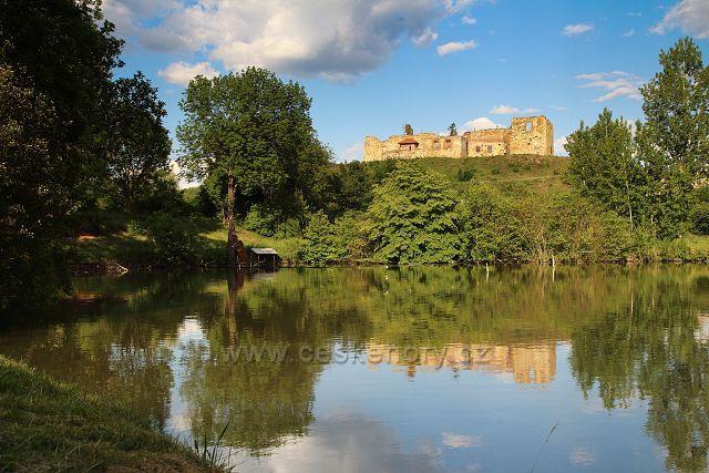 Torzo zámku v Libčevsi