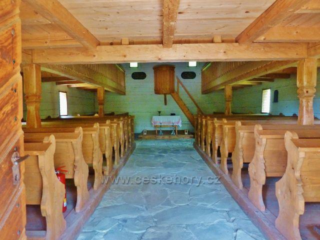 Rožnov pod Radhoštěm - Valašská dědina - interiér evangelického tolerančního kostela z Huslenek