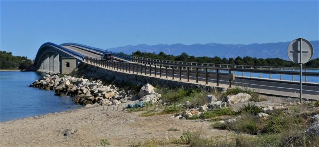 Most na ostrov VIR.