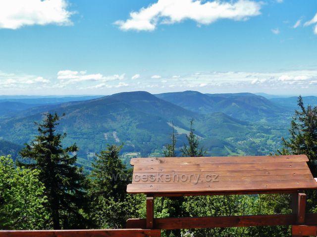 Vyhlídkové místo na vrcholu Lysé hory