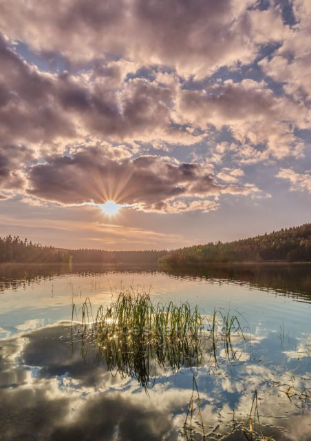 Západ na Josefodolské přehradě.