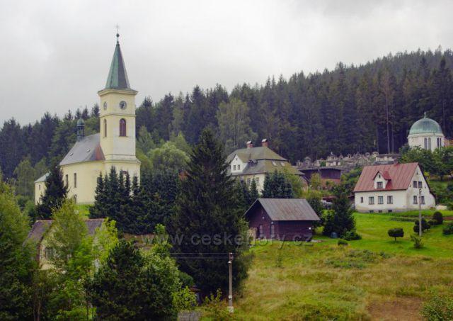 Albrechtice - kostel svatého Františka z Pauli