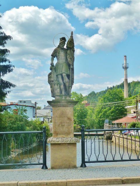 Jablonné nad Orlicí  - socha sv.Floriána na barokním kamenném mostu je z roku 1842