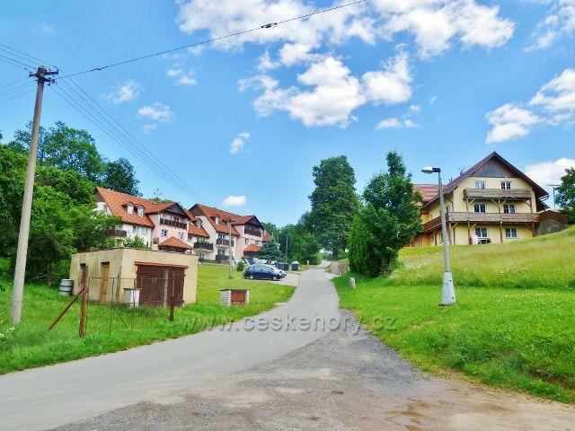 """Mistrovice - """"osada"""" Vedralovice"""