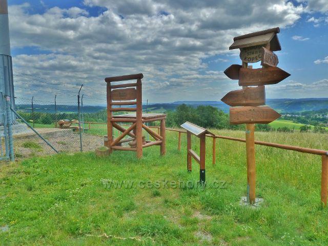 Mistrovice - rozhledové místo na vrcholu Židovo kopce