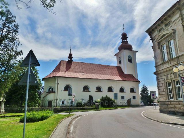 Rokytnice v Orlických horách - farní kostel Všech Svatých byl vystavěn v letech 1679-84 na místě dřevěného kostela ze 14.století