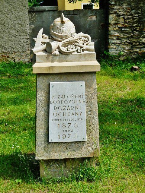 Rokytnice v Orlických horách - památník založení dobrovolné požární ochrany ve městě v roce 1873 t.zv. Hasičský pomník