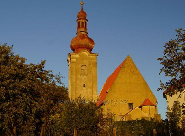 Kostel na Nebevzetí Panny Marie - Týnec