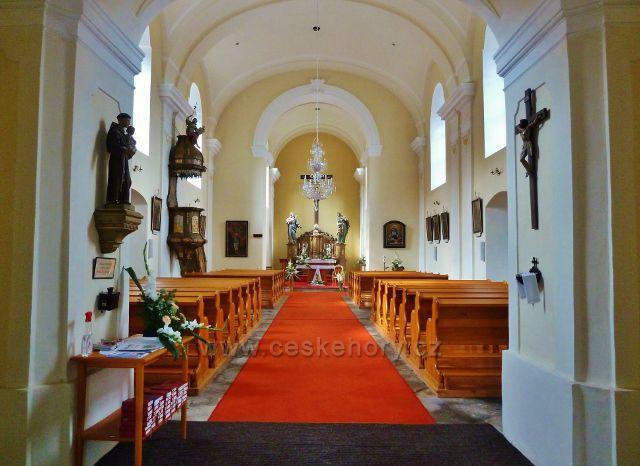 Sněžné - interiér kostela sv. Kříže