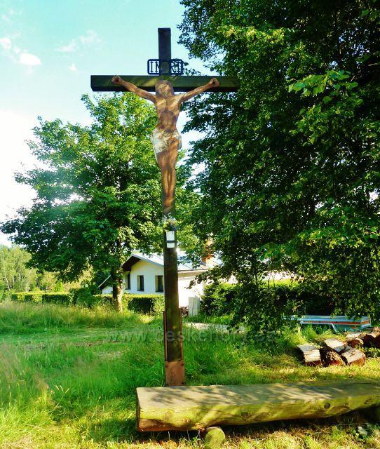 Svratka - dřevěný kříž pod Luckého kopcem