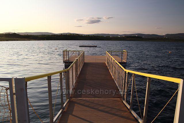 Molo na jezeře Most
