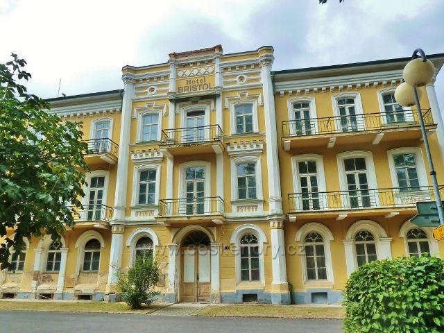 Františkovy Lázně - bývalý hotel Bristol ve Francouzské ulici