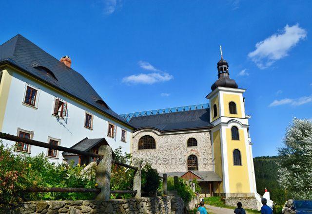 Neratov, kostel