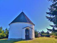 Orlické hory - Kunštátská kaple s obnovenou fasádou