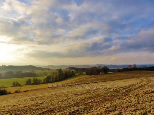 Vlčkovice - pohled z úbočí Kostelního vrchu k Vitanovu