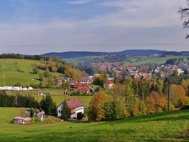 Jablonné nad Orlicí - pohled z úbočí Malova kopce k Jamnému n.O. a k Suchému vrchu