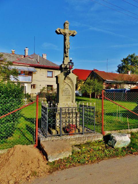 Mistrovice - Boží muka v osadě Vedralovice