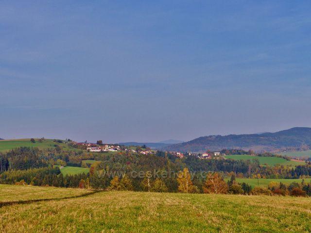 Mistrovice - pohled z vrcholu Židovo kopce k Sobkovicím