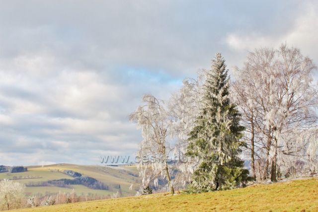 Niemojów - pohled k vrchu Polom(766 m.n.m.)
