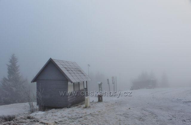 Šerlich - vyhlídkové místo před Masarykovo chatou s  výhledem na prameniště Divoké Orlice