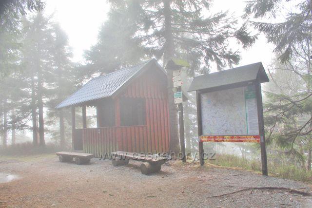 Olešnice v O.h. -vybavené odpočinkové místo na hřebenovce pod vrcholem Vrchmezí