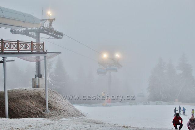 Šerlich - lanovka\ Ski areálu Zieleniec v mlze