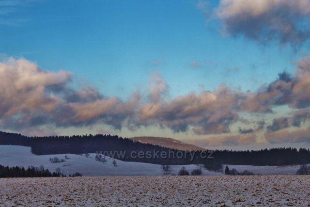 Bartošovice v O.h. - pohled z Polomu k Anenskému vrchu