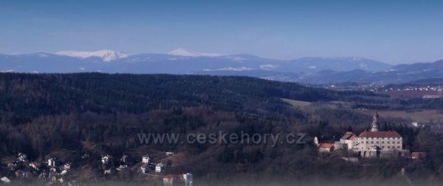Náchodský zámek pod Krkonošemi