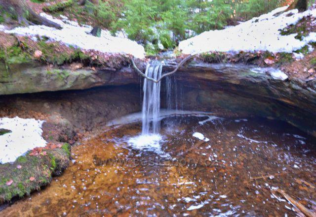 Míšeňský vodopád-výška asi 1,5m