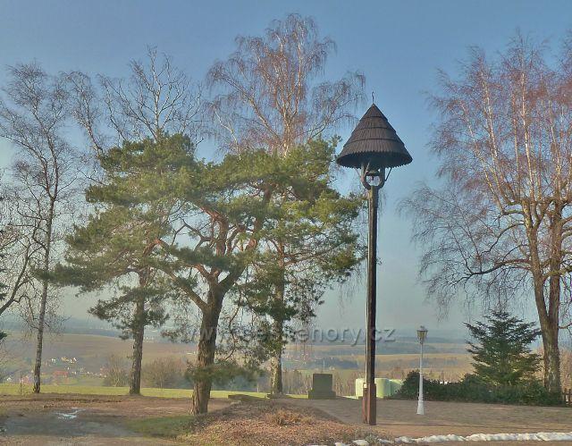 """Vamberk - zvonička před turistickou chatou """"Na Vyhlídce"""""""