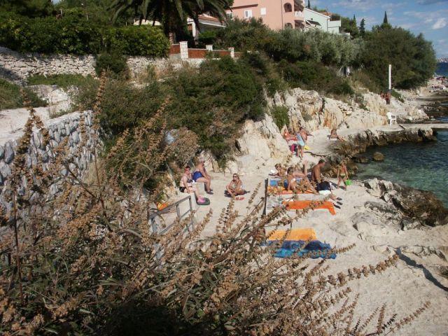Seget Vranjica zátišie na pobreží