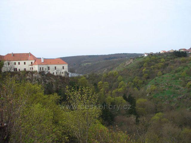 Deblínský zámek