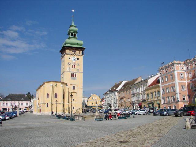 Retz -náměstí a kostel