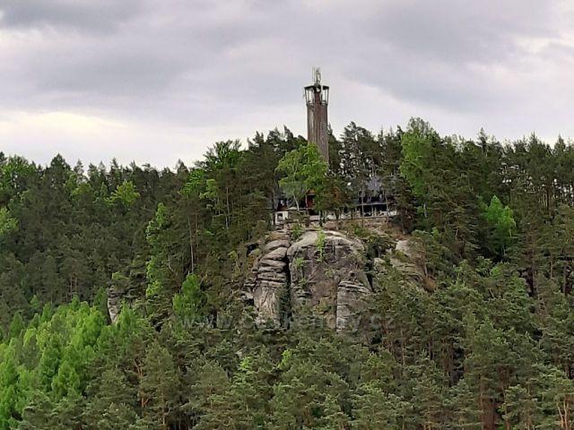 rozhledna Na Stráži u Sloupu v Čechách