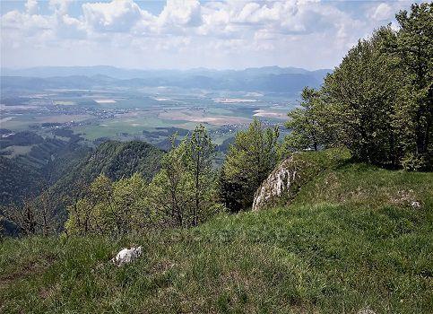 Turčianska kotlina z vrcholu Drienok.