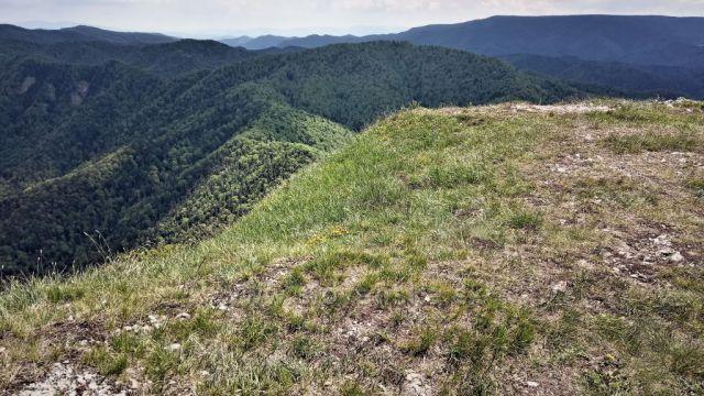Suchá Hora v diaľke z vrcholu Drienok.